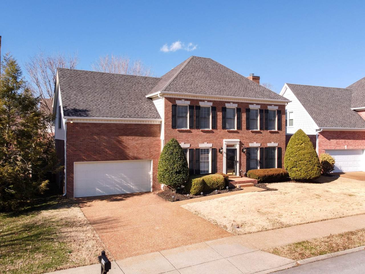 1191 Buckingham Cir - Photo 1