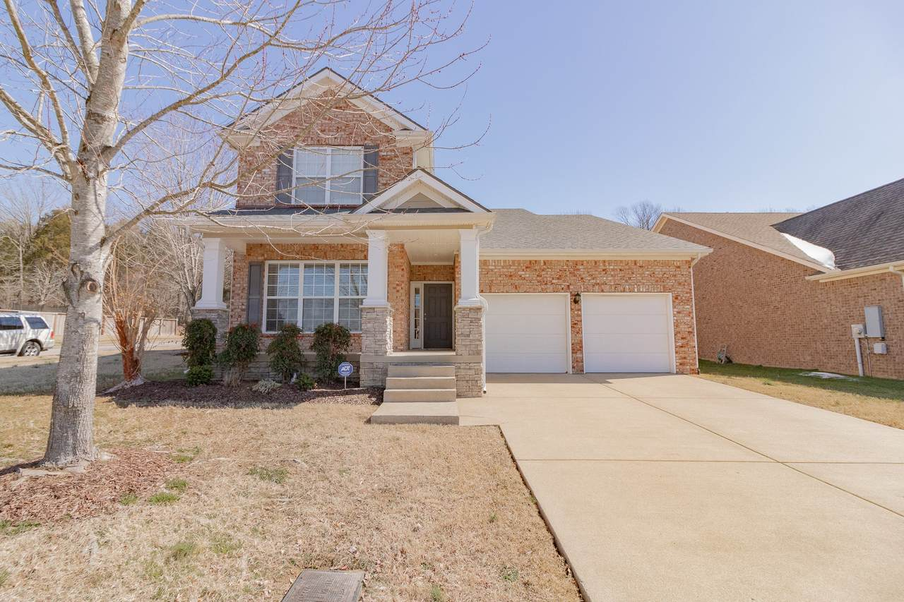1640 Robindale Dr - Photo 1