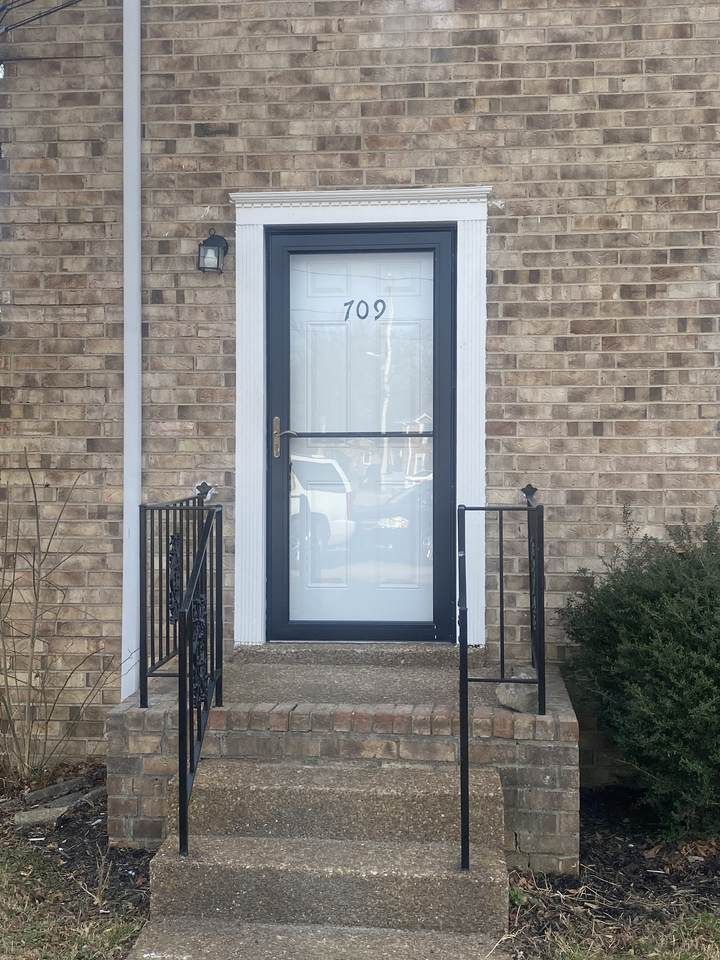 709 Clearwater Ct - Photo 1