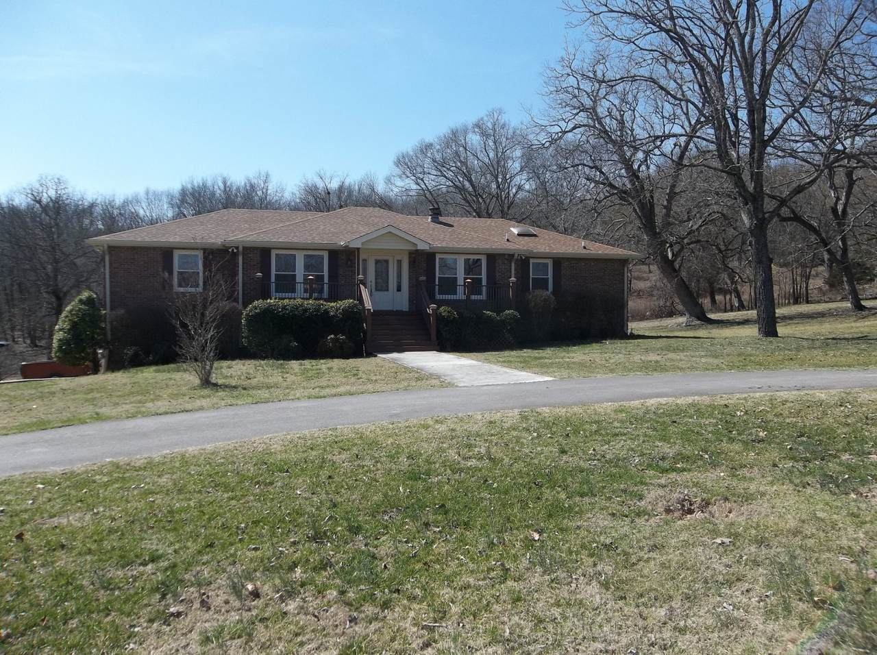 1831 Bakers Grove Rd - Photo 1