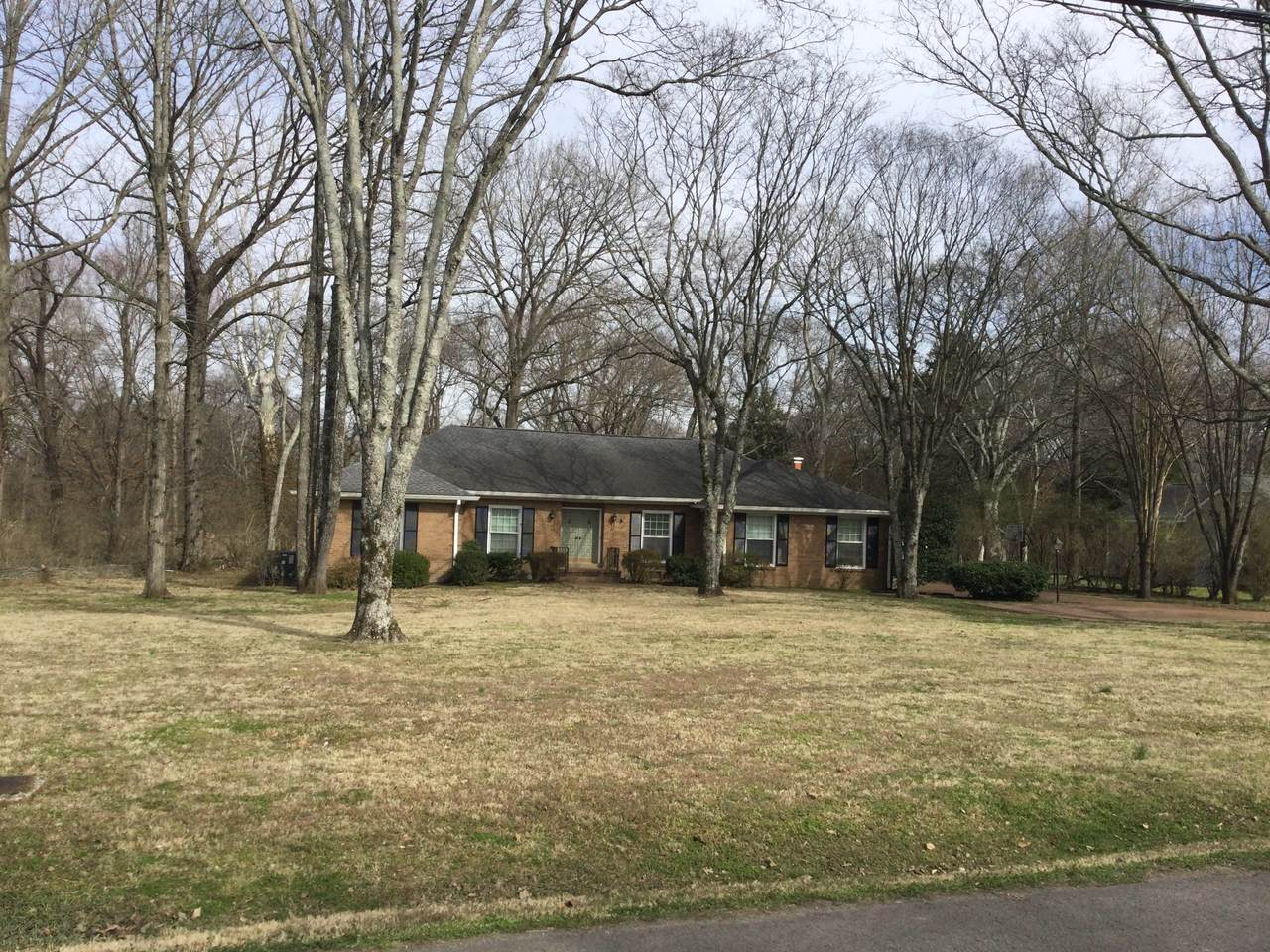 212 W Meade Dr - Photo 1