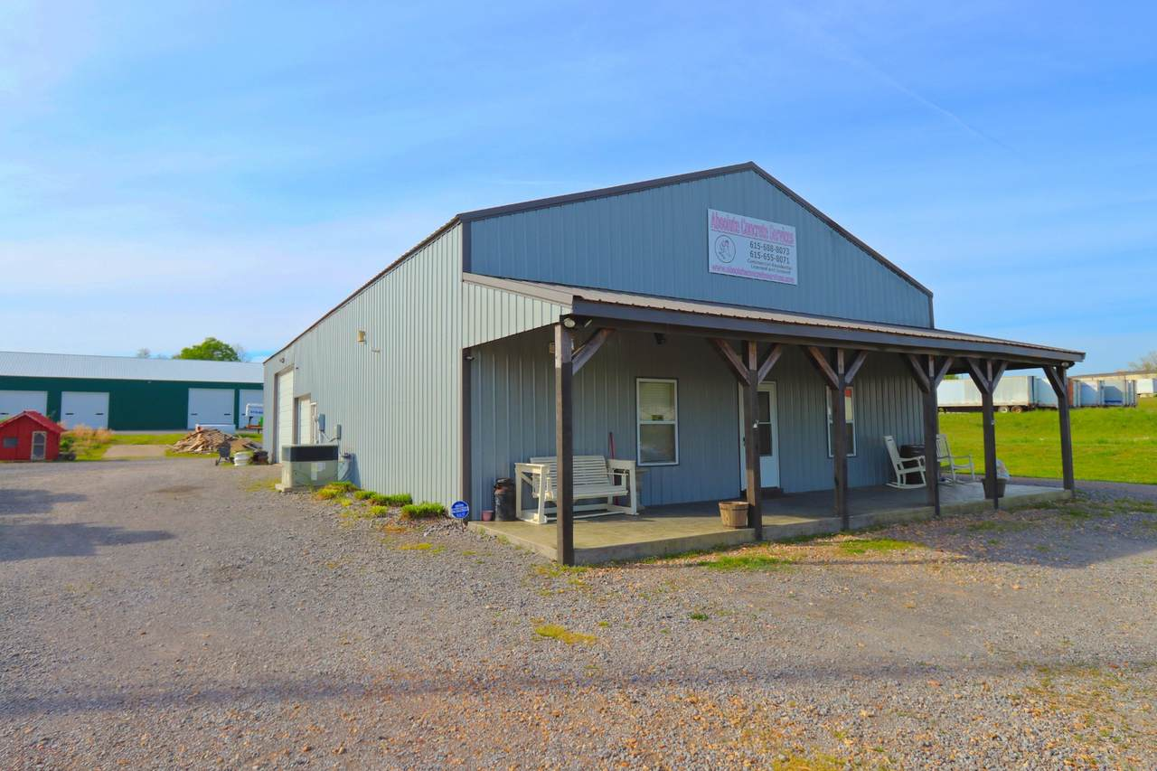 607 Industrial Dr - Photo 1