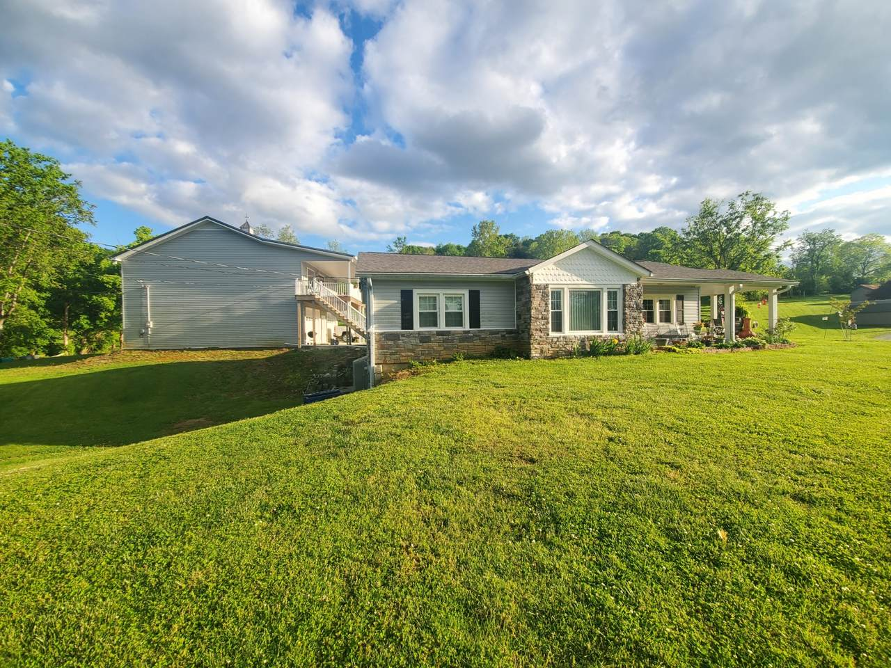 162 Cookeville Hwy - Photo 1