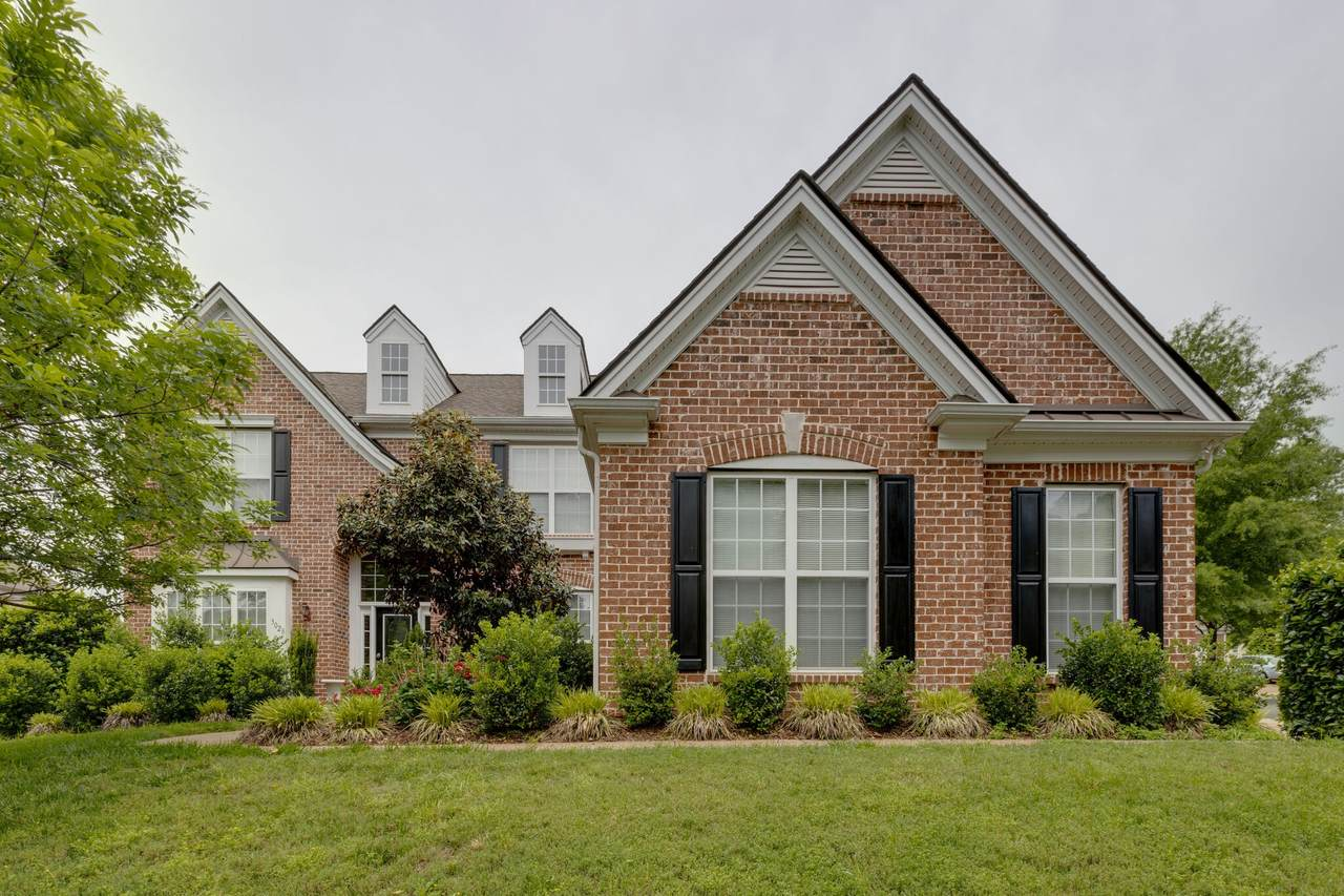 3028 Coral Bell Ln - Photo 1