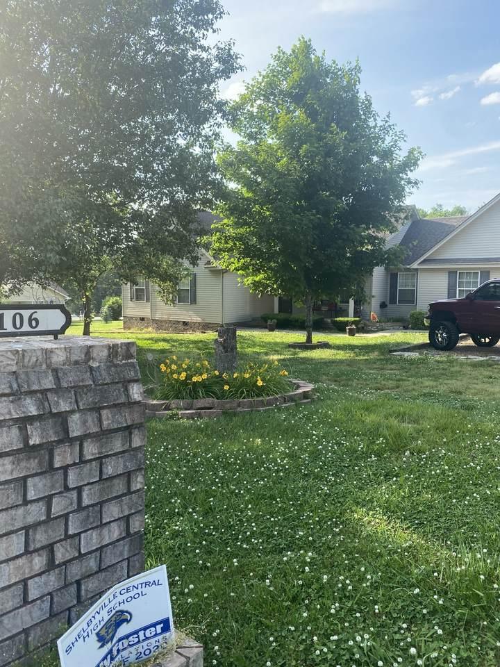 106 Southview Dr - Photo 1