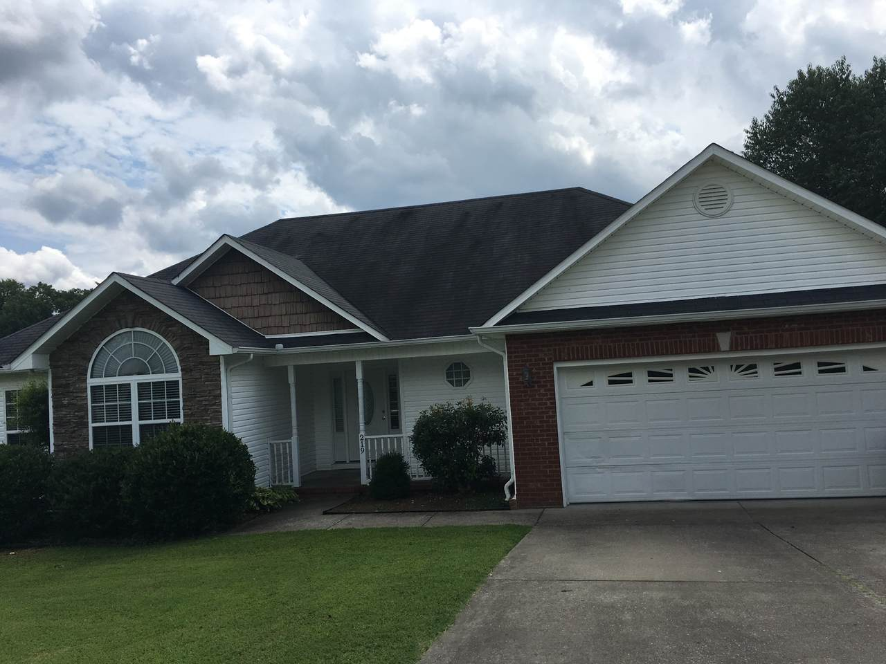 219 Cross Valley Dr - Photo 1