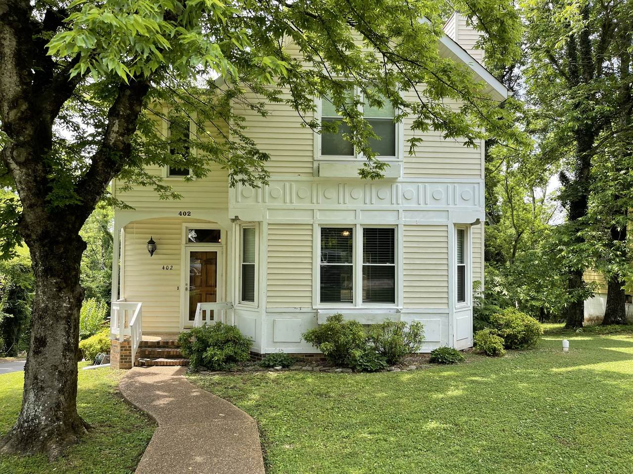 402 Fort Hill Dr - Photo 1