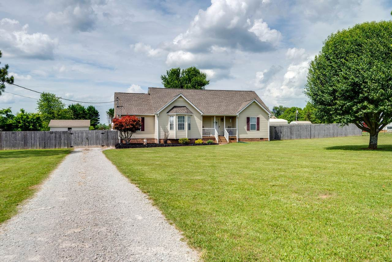 1470 Hunters Chase Dr - Photo 1