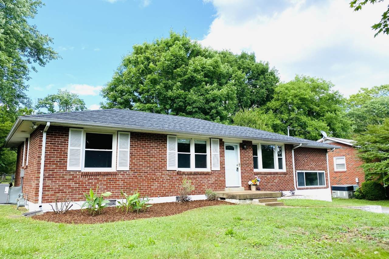 570 Whispering Hills Dr - Photo 1