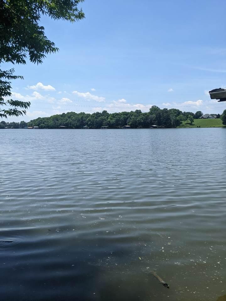 121 Lake Point Dr - Photo 1
