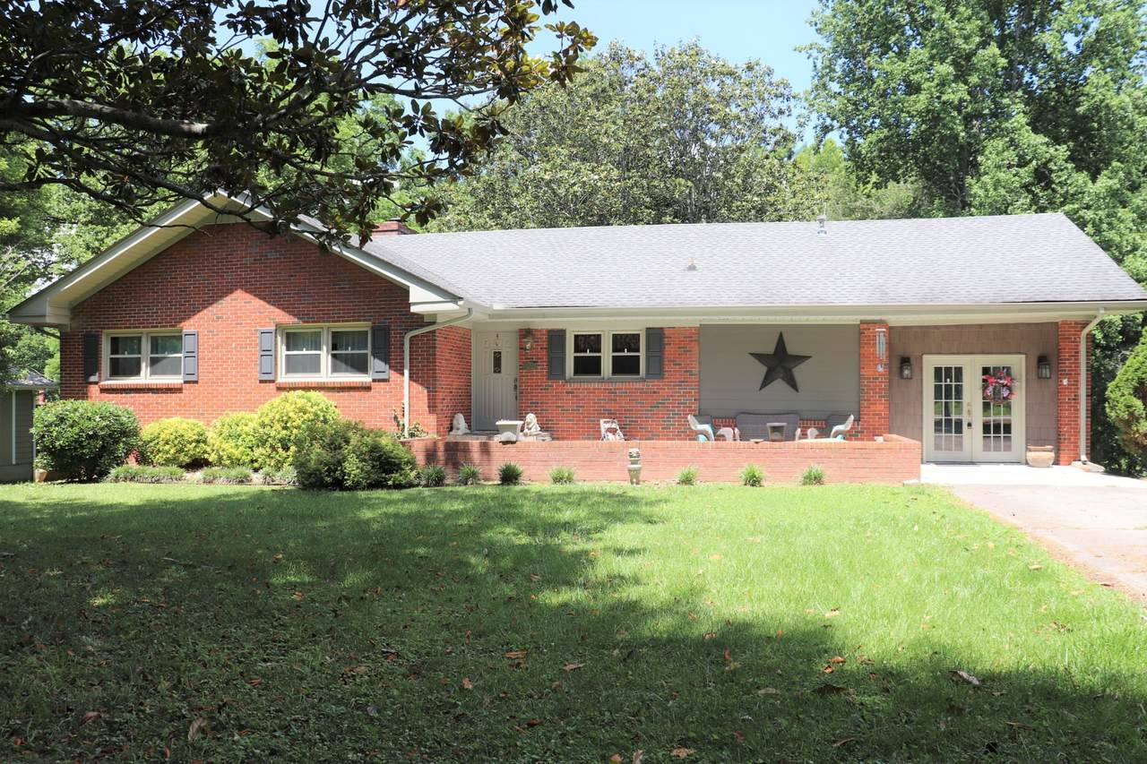 1305 Sycamore Dr - Photo 1