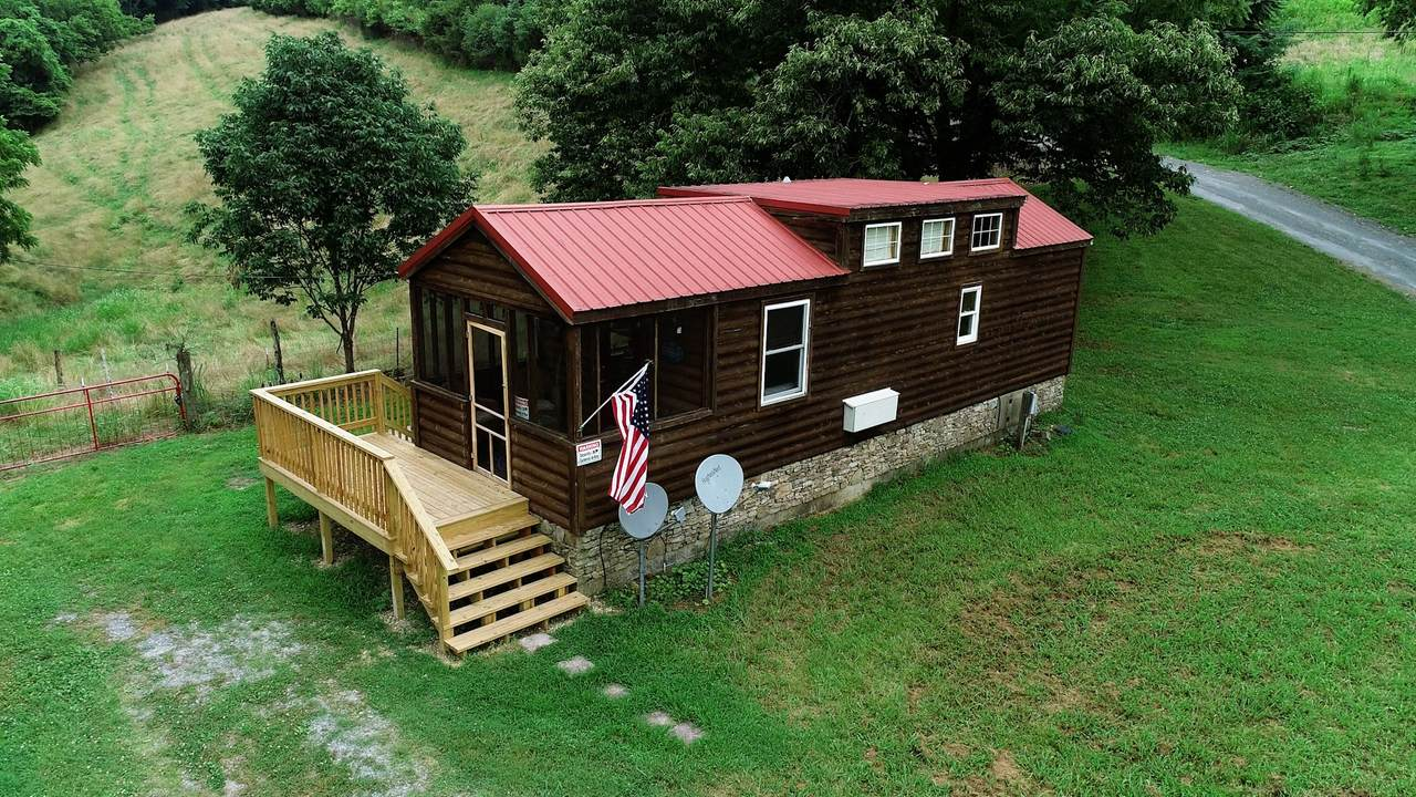 951 Huff Hollow Rd - Photo 1