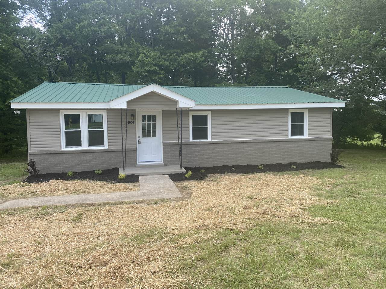 4908 Marion Rd - Photo 1