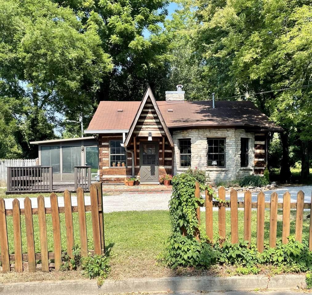 324 S Bilbro Ave - Photo 1