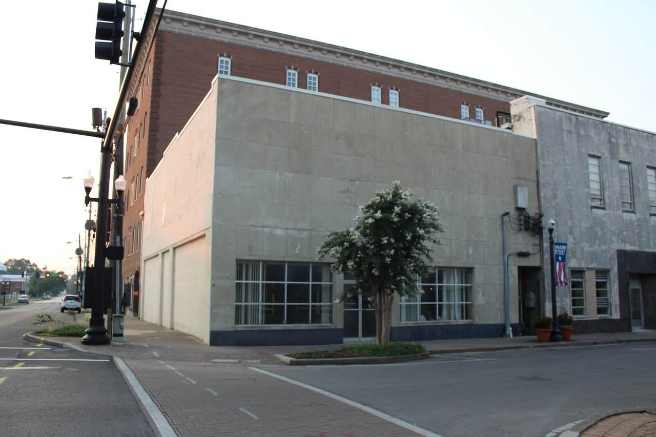 124 N. Maple Street - Photo 1