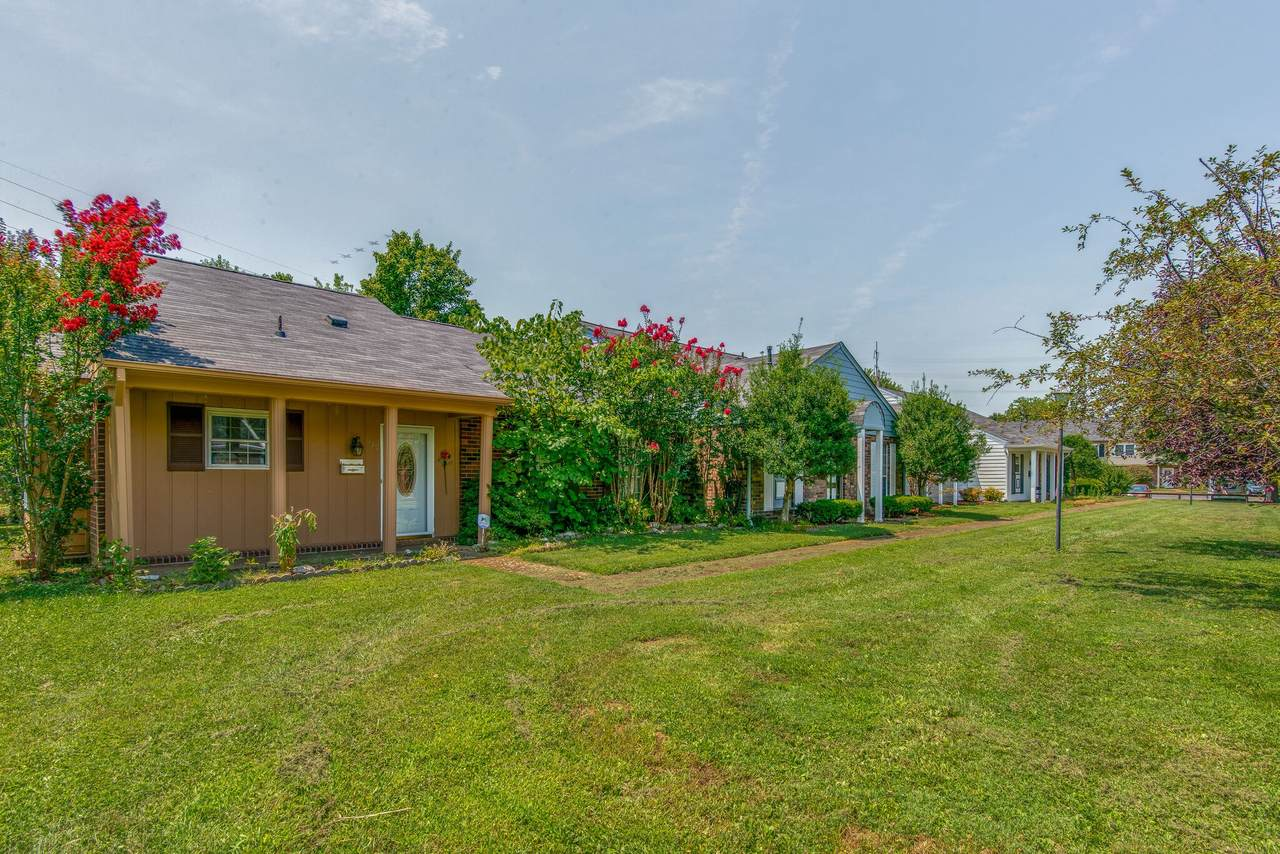 5600 Country Dr - Photo 1