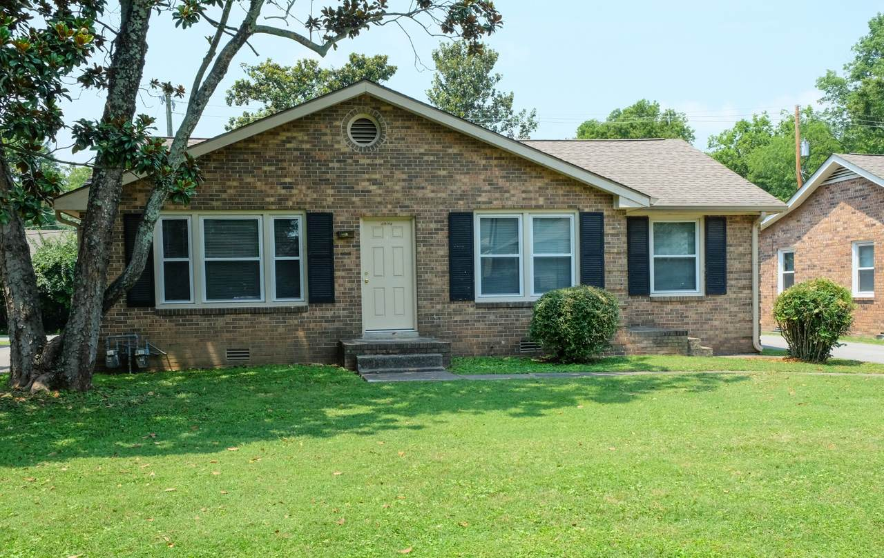 2810 Valley Rd - Photo 1