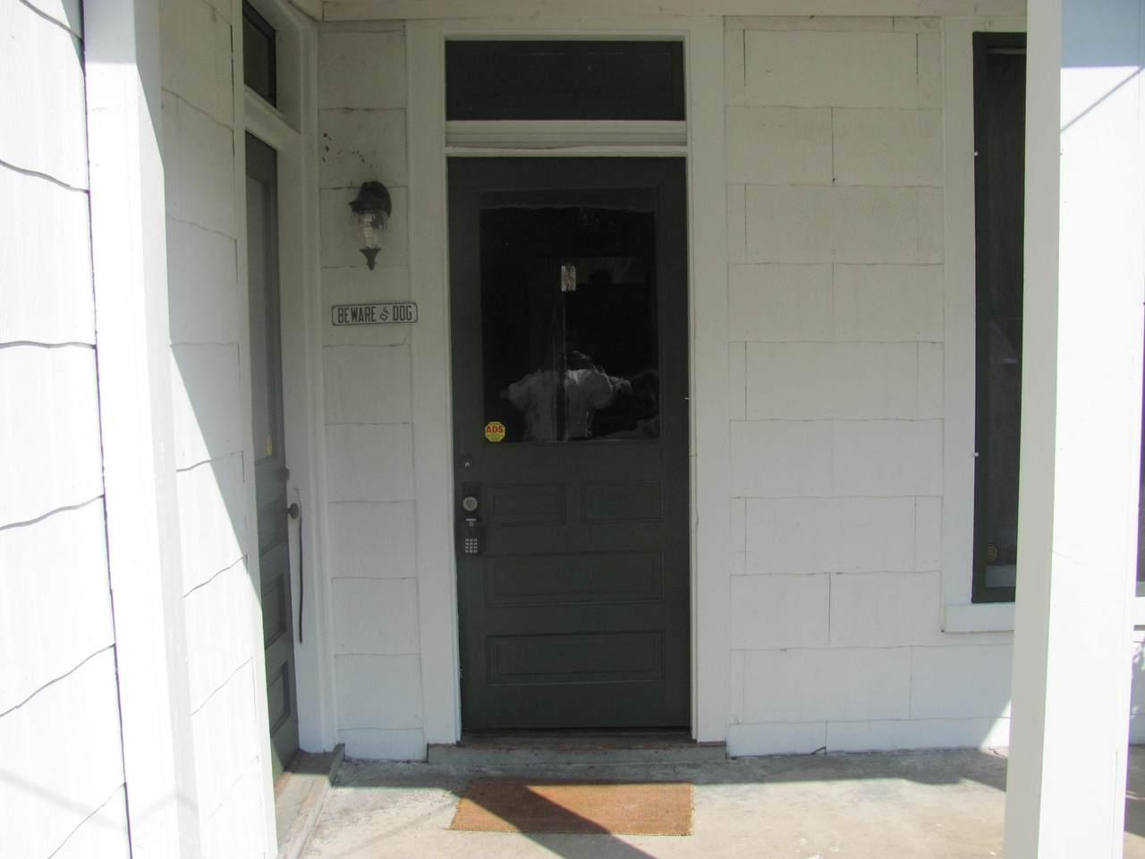2306 Lindell Avenue - Photo 1