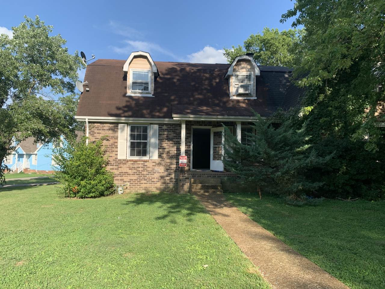 3008 Mossdale Dr - Photo 1