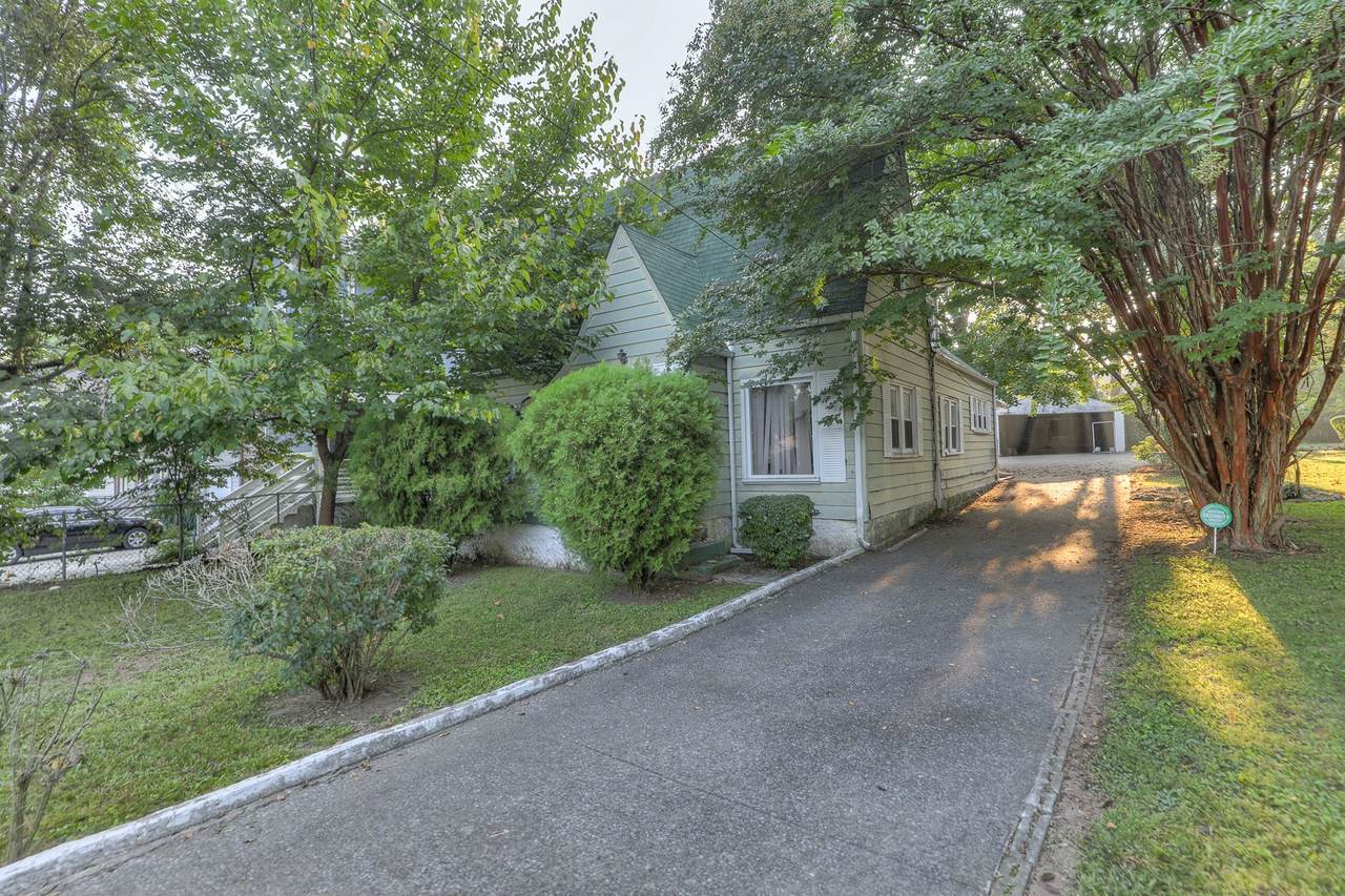 1631 Northview Ave - Photo 1