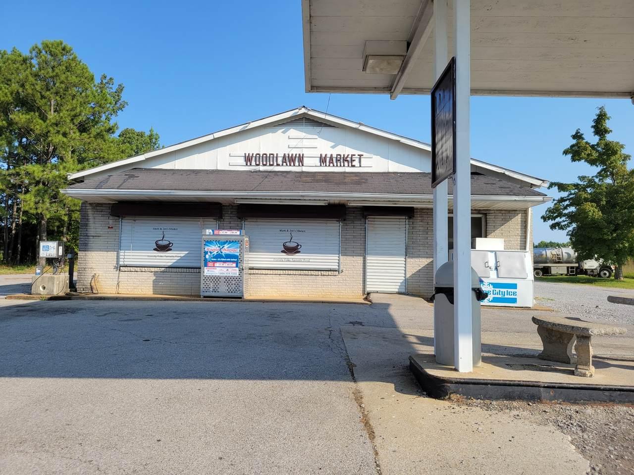 2855 Woodlawn Rd - Photo 1