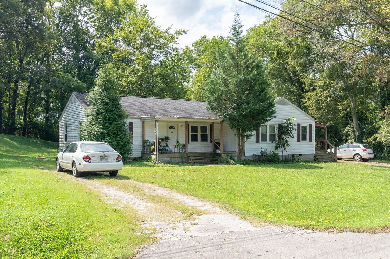 213 Greenview Dr - Photo 1
