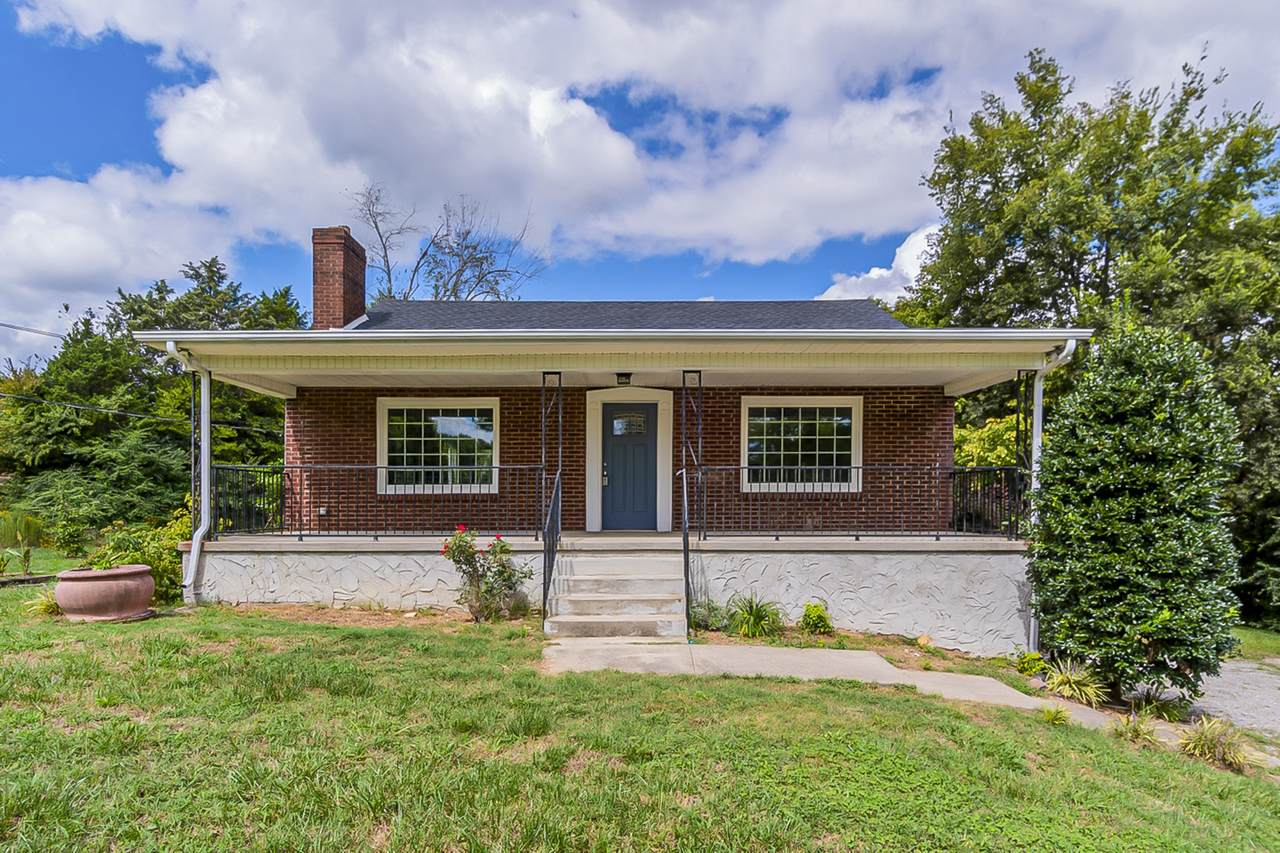 2560 Old Clarksville Pike - Photo 1