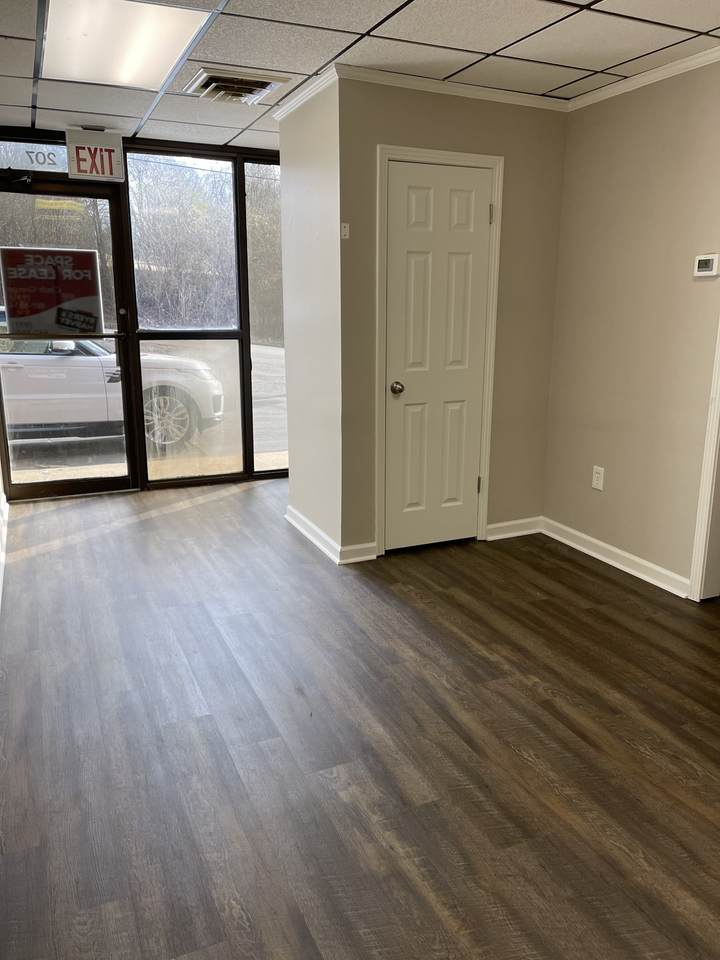 30 Crossland Ave, Suite 207 - Photo 1