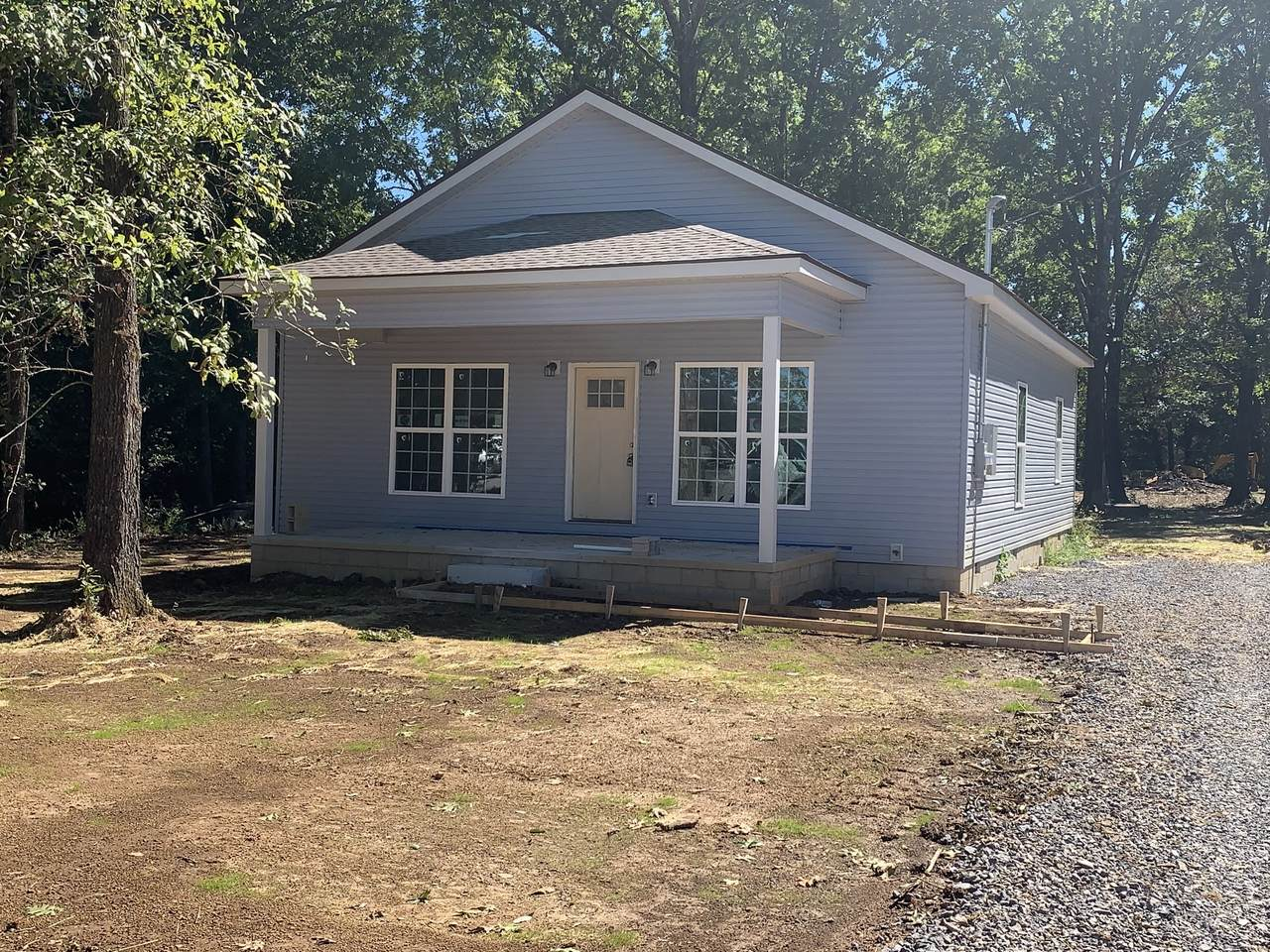 241 Reese St - Photo 1