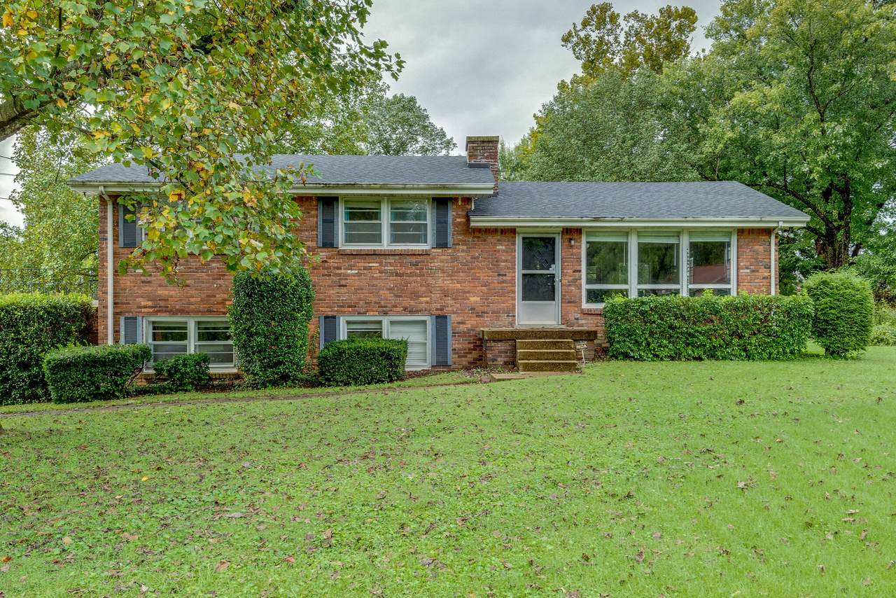 917 Crownhill Dr - Photo 1