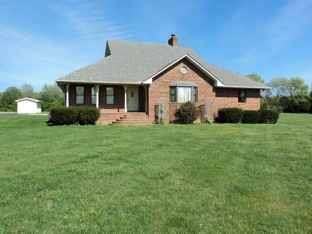 223 Country Ln - Photo 1