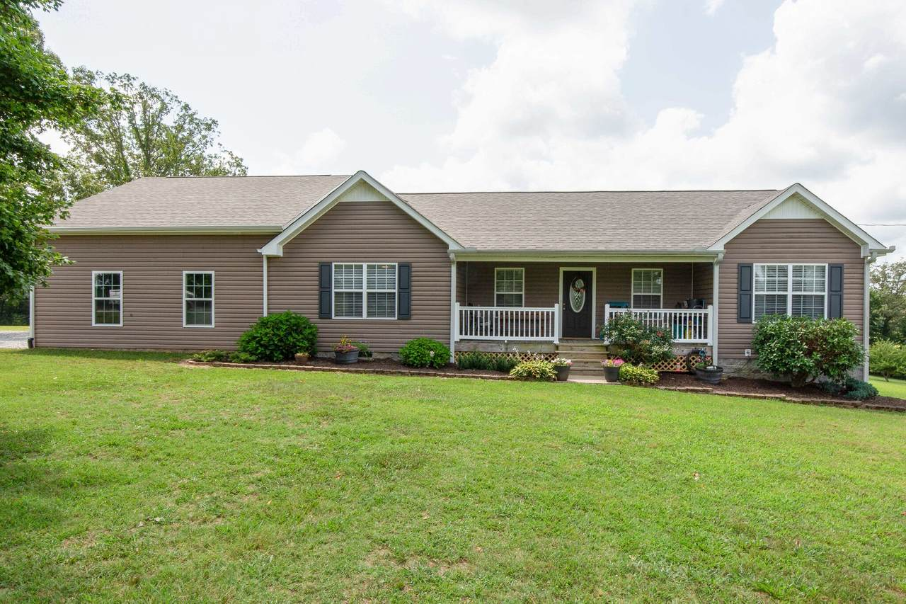 984 Hoover Rd - Photo 1