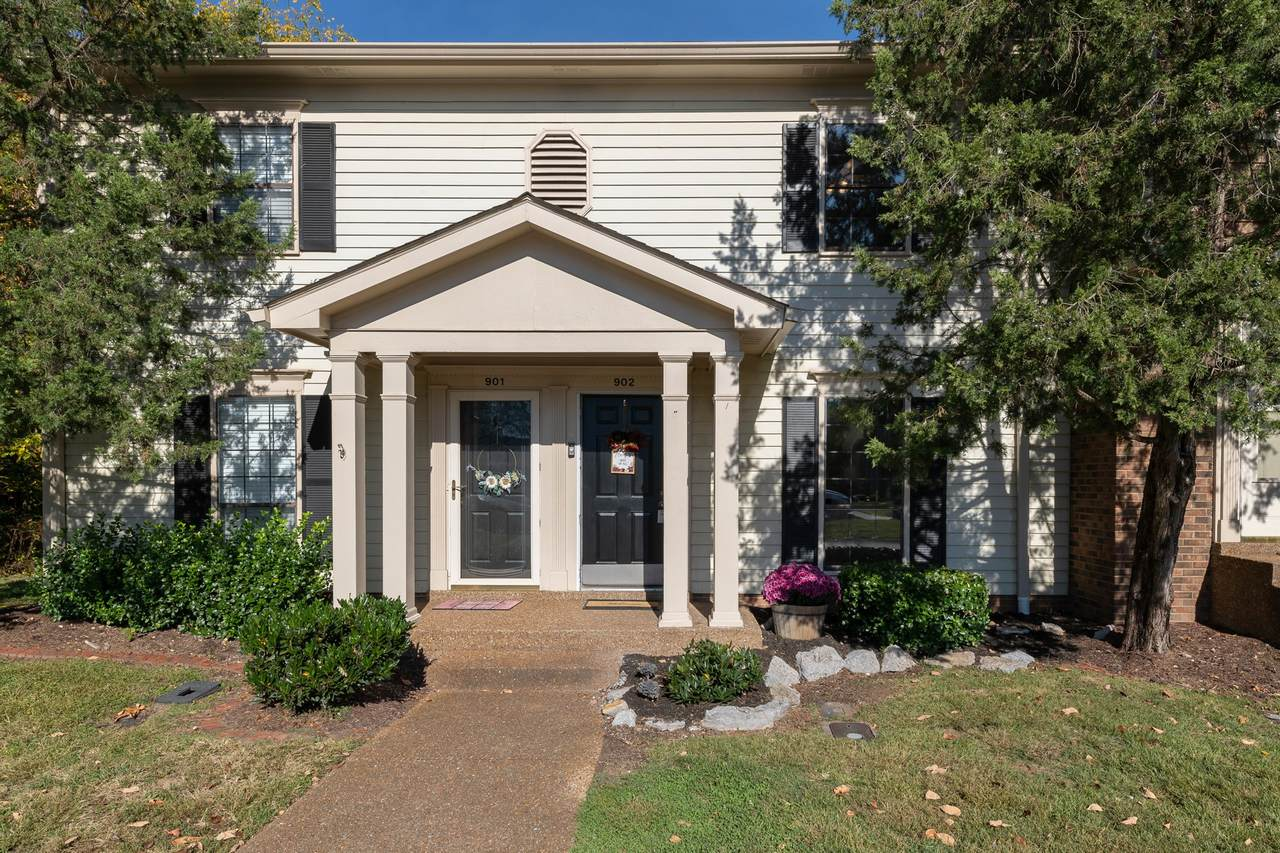 902 Brentwood Pointe - Photo 1