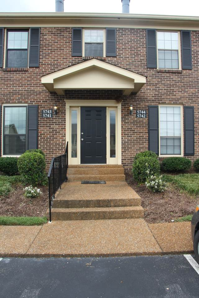 5743 Brentwood Trace - Photo 1