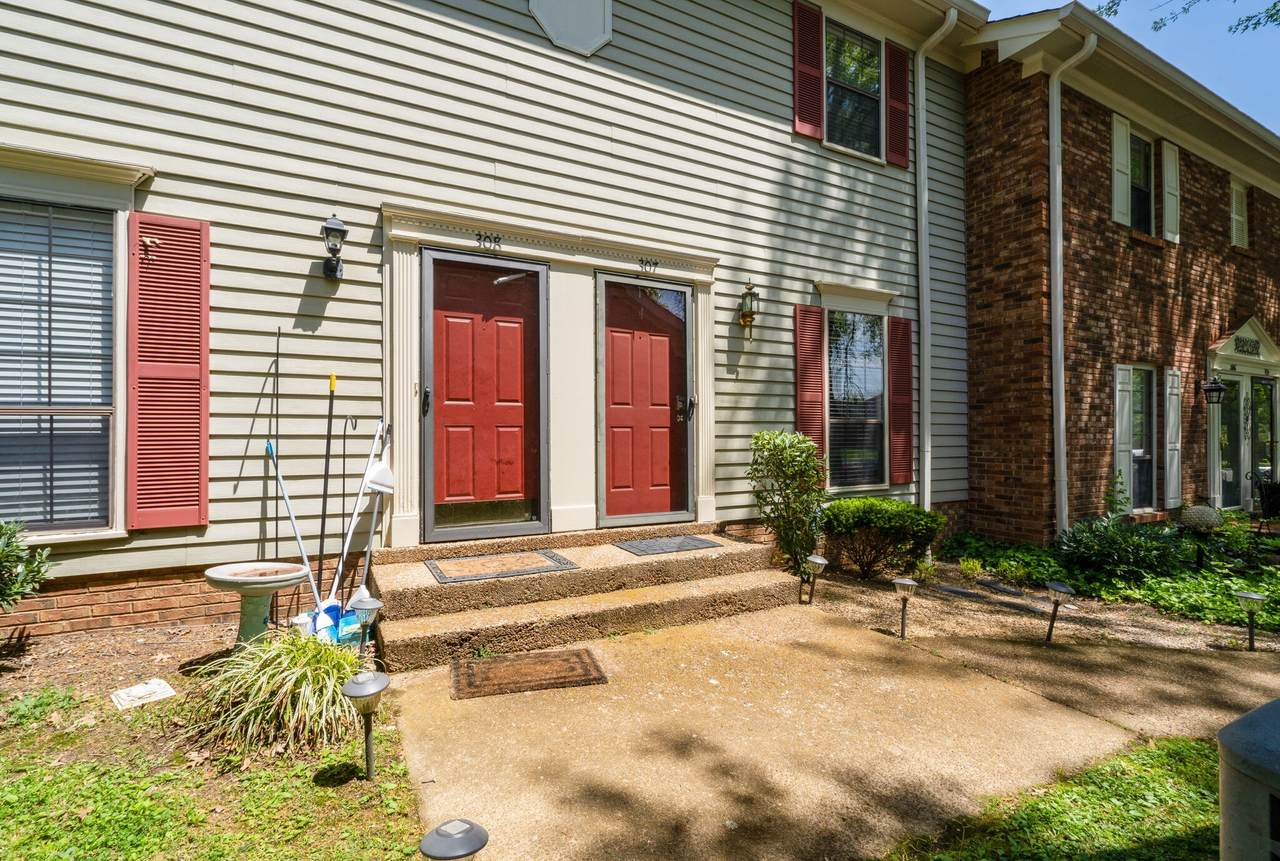 307 Brentwood Pt - Photo 1