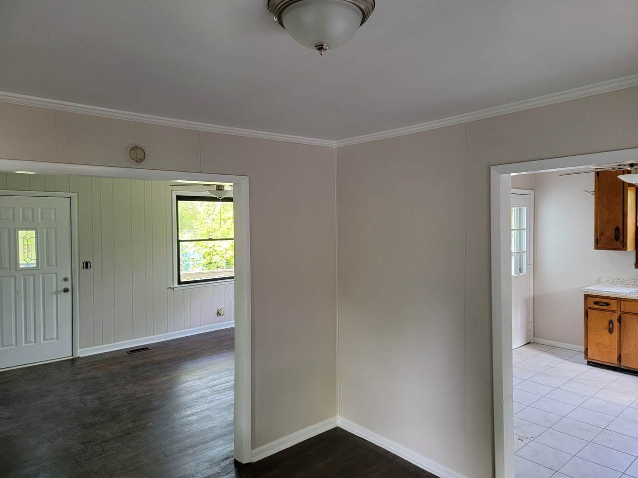 3105 Esther Ave - Photo 1
