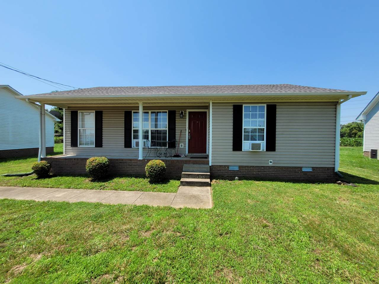 247 Waterford Dr - Photo 1