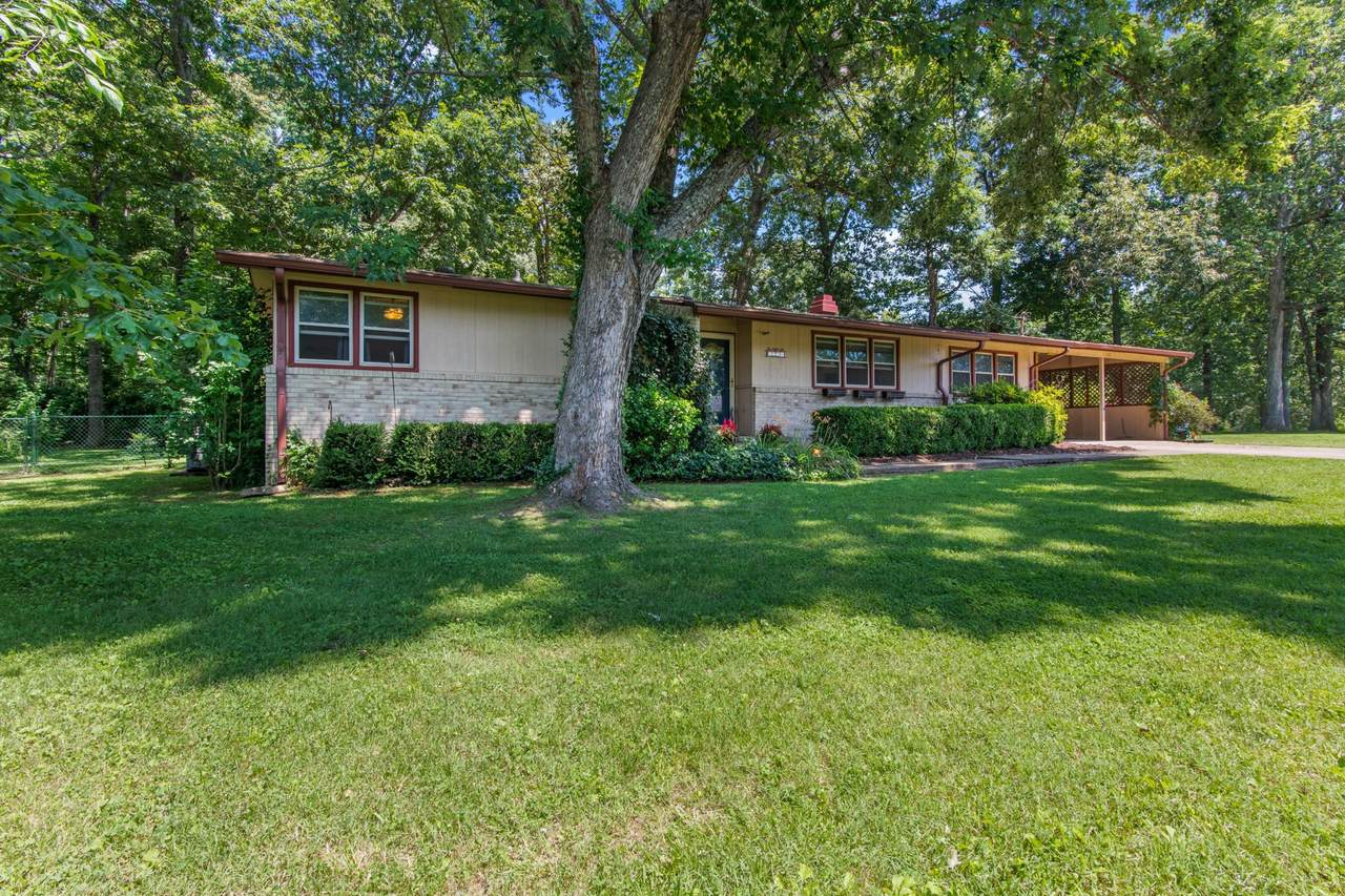 1004 Country Valley Ct - Photo 1