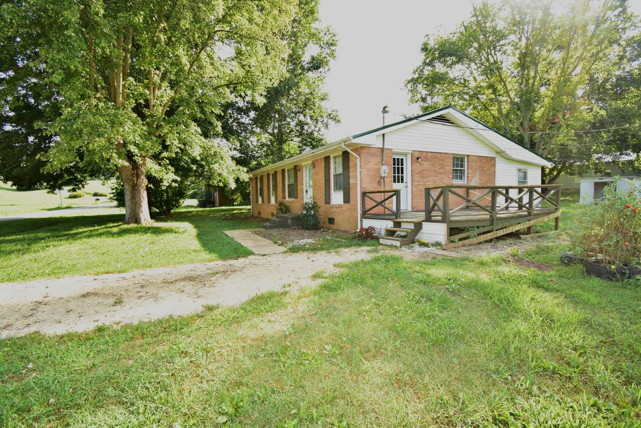 609 Hill View Dr - Photo 1