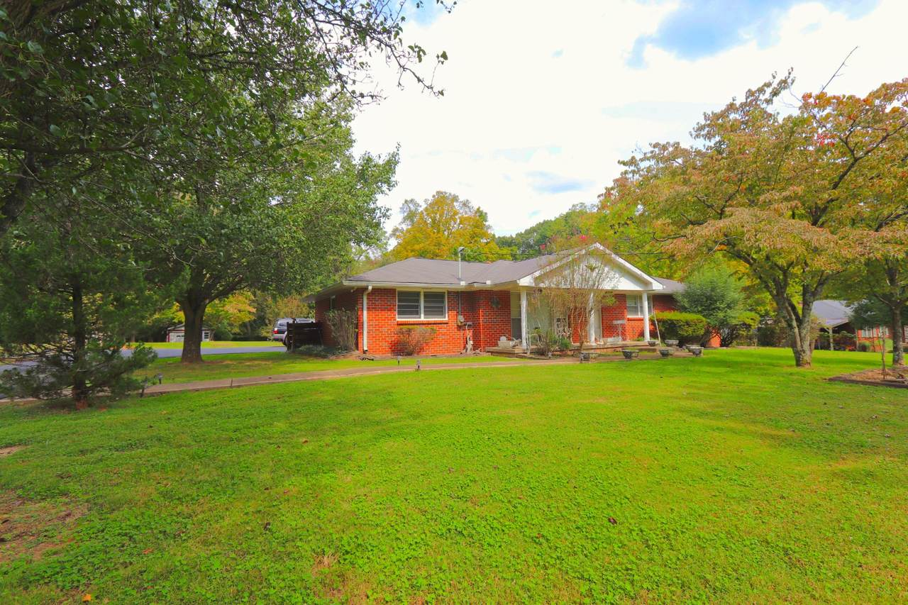 615 Hillview Dr - Photo 1