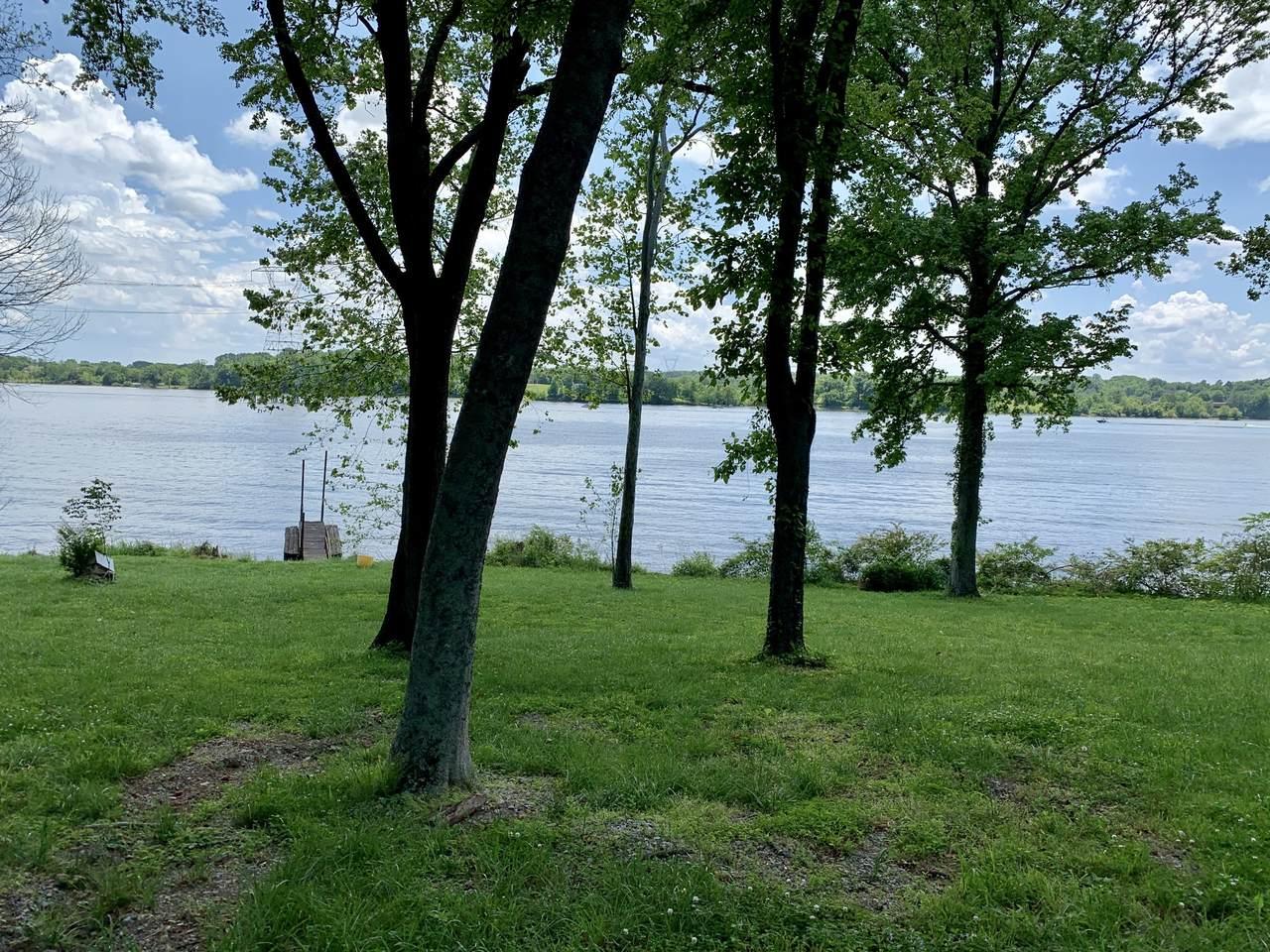 1094 Hickory Harbor Dr - Photo 1