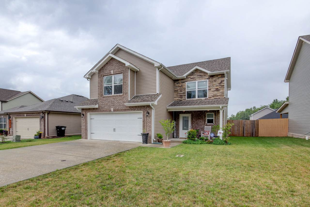 1204 Gentry Dr - Photo 1