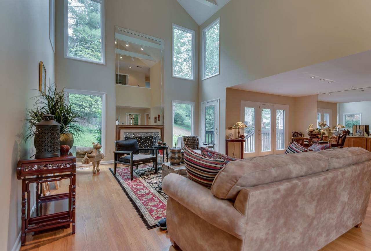 601 Valley Trace Ct - Photo 1