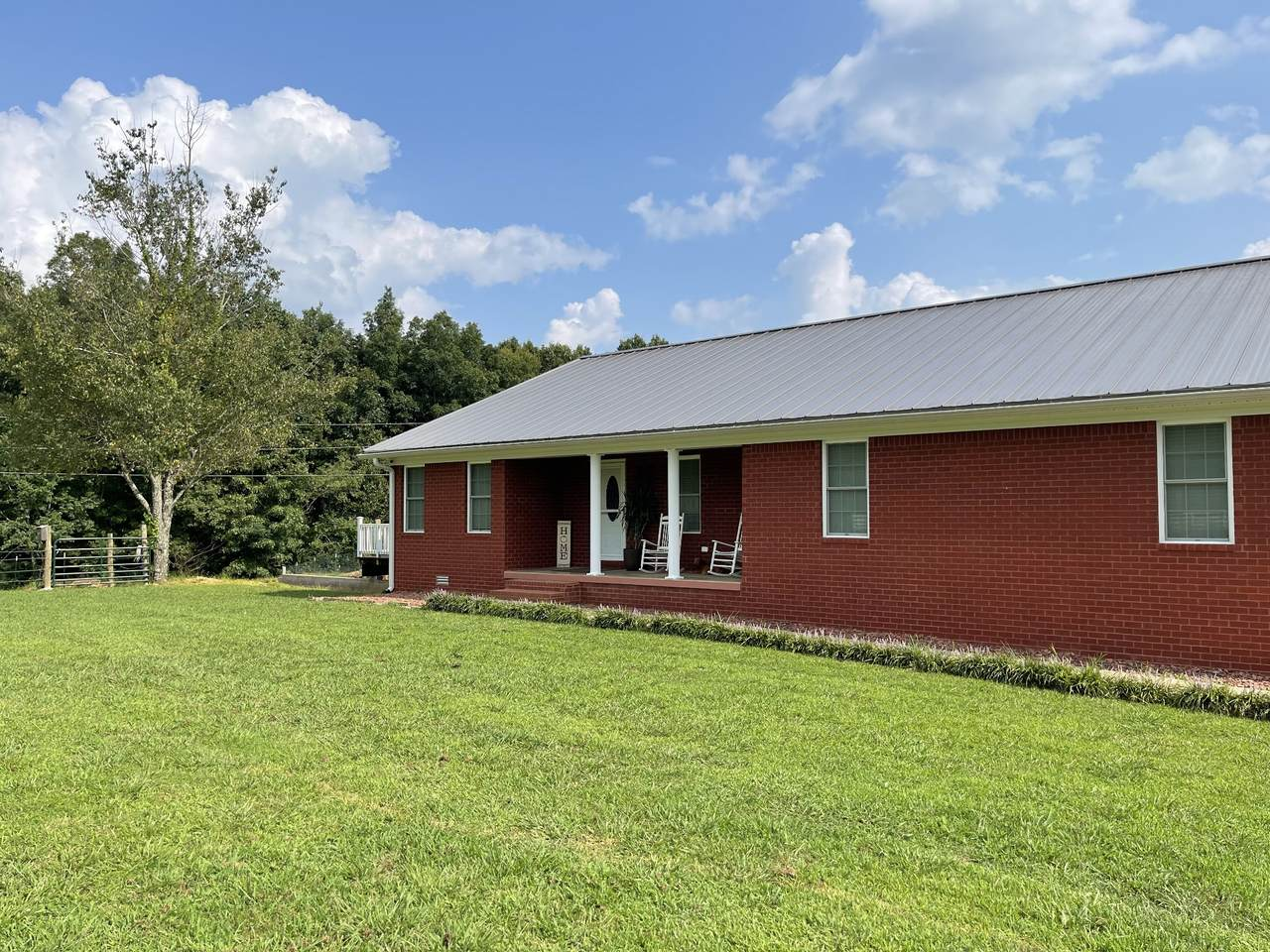 613 Indian Creek Road West - Photo 1