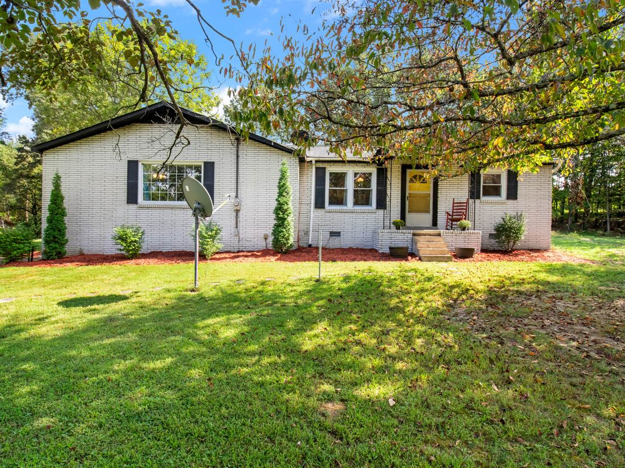 6932 Brown Hollow Road - Photo 1
