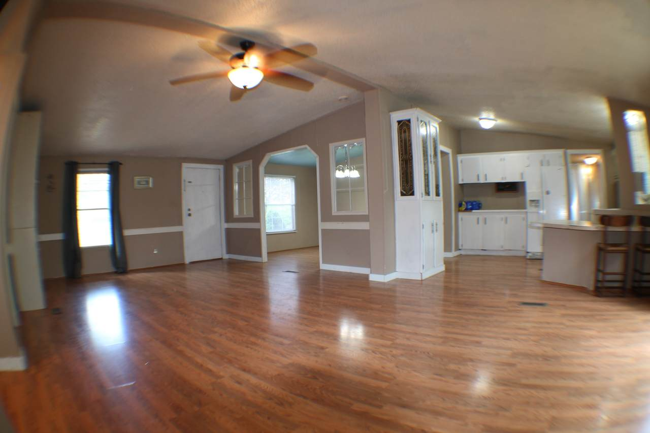 1139 Valley View Rd - Photo 1