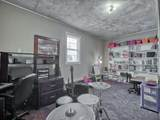 228 Silver St - Photo 27