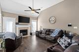 1014 Fox Hollow Pl - Photo 4