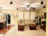 1621 Robindale Dr - Photo 4