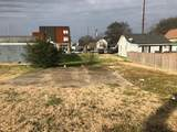 806 51St Ave N - Photo 2